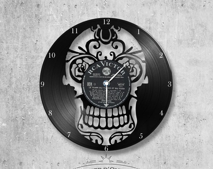 Vinyl record clock 33 rounds Skull theme