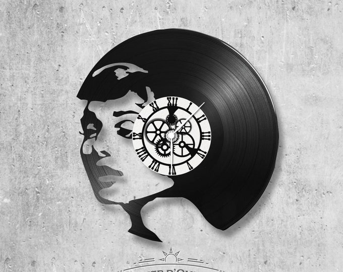 Vinyl record clock 33 rounds Audrey Hepburn theme