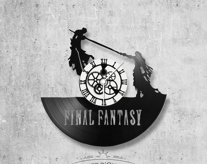 Wall clock vinyl 33 rounds hand made / theme final fantasy video games
