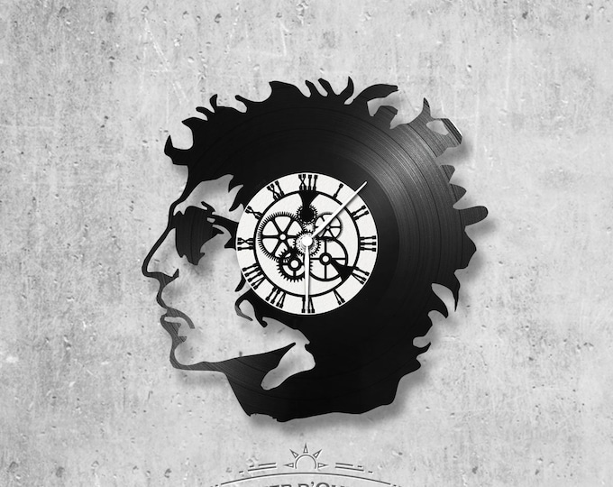 Vinyl record clock 33 rounds Bob Dylan theme