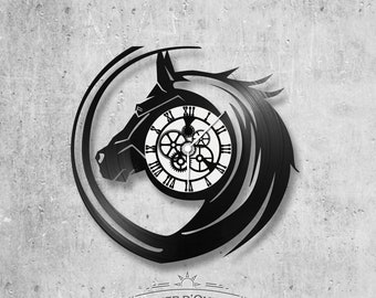 Vinyl 33 clock towers horse theme