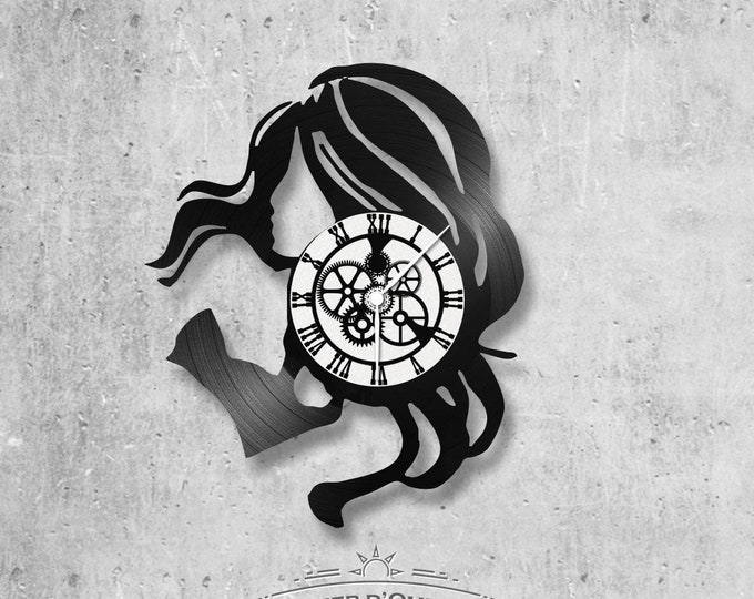 Vinyl record clock 33 rounds theme Woman hair in the wind