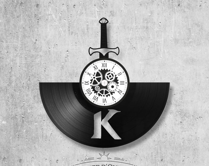 Vinyl record clock 33 rounds Kaamelott theme