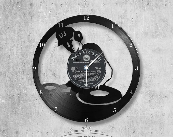 Wall clock vinyl 33 rounds hand made / DJ, music, song, craft, party theme, singer