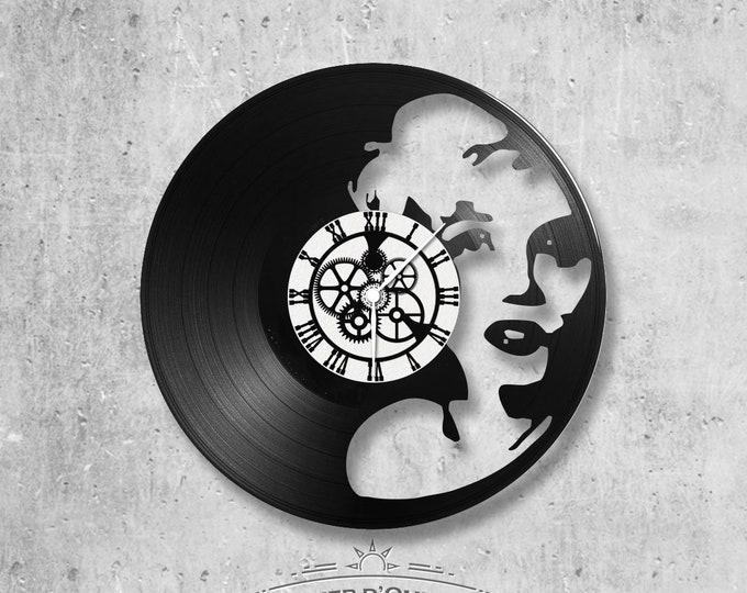 Vinyl 33 clock towers Marylin Monroe theme