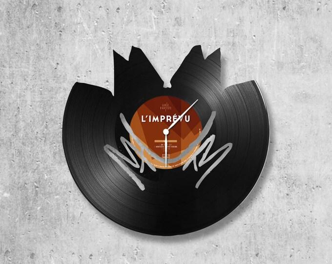 Vinyl 33 clock towers theme M