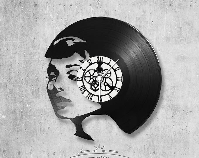 Vinyl 33 clock towers theme woman