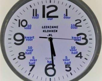 pädagogische Uhr weiß blau mit led Lampe 30 cm