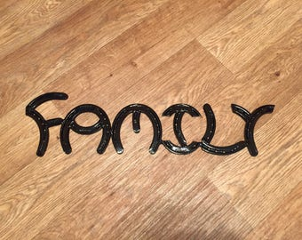 Horseshoe Art Family Sign