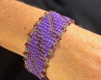NO 74 Hand woven glass and crystal beaded bracelet