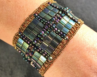NO 154 Hand Beaded Crystal and Glass Bracelet