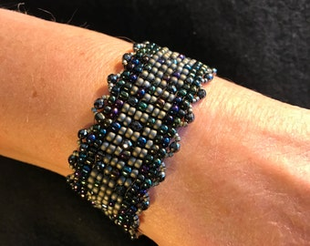 NO 147 Hand Beaded Crystal and Glass Bracelet