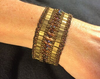 NO 80 Hand woven crystal and glass beaded bracelet