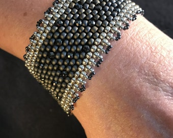 NO 172 Hand Beaded Crystal and Glass Bracelet.