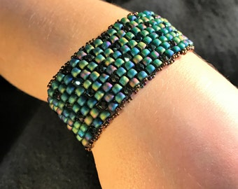 NO 137 Hand Beaded Crystal and Glass Bracelet