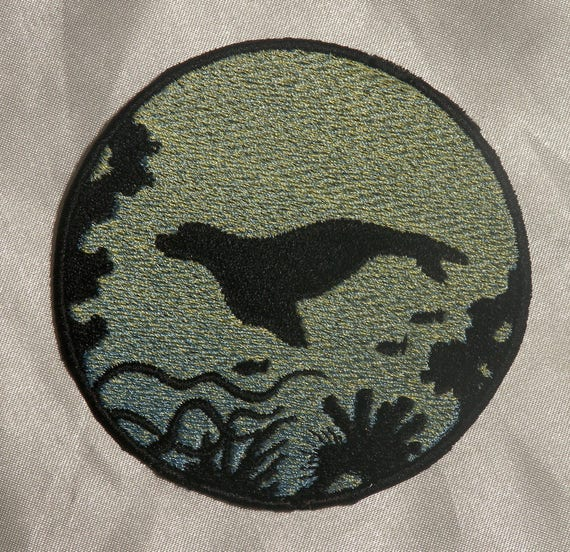 Embroidered Ocean Sea Turtle Silhouette Ombre Circle Patch Iron On Sew On USA