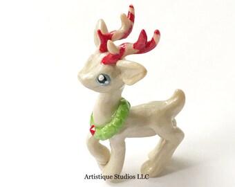 Christmas Deer Figurine, Reindeer with Christmas Wreath, Reindeer Lover Gift, Christmas Treasures, Christmas Decorations, Cake Topper