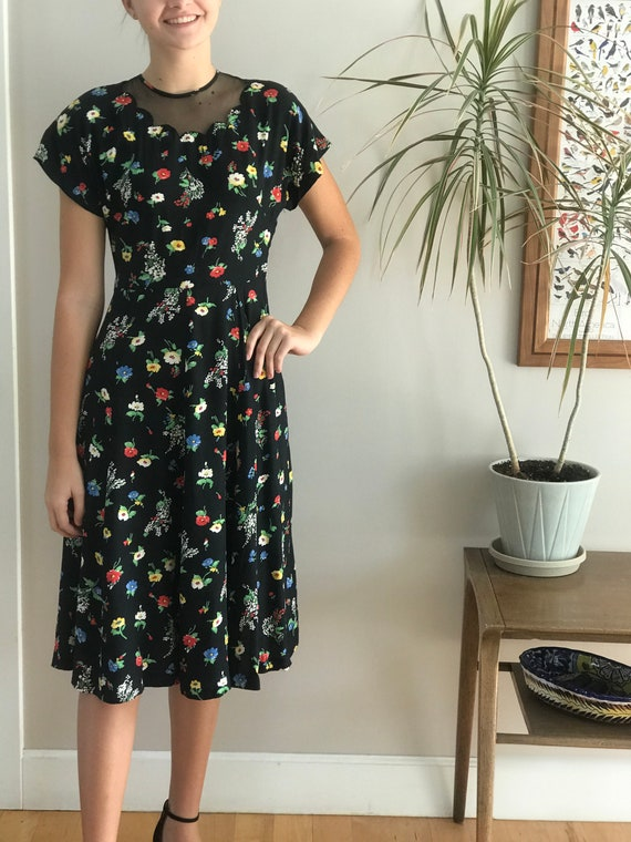 1940's bright floral dress with scalloped illusion