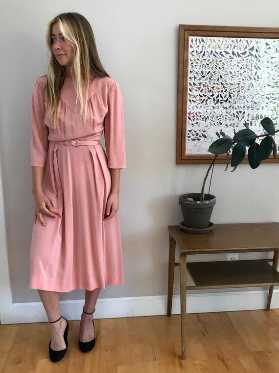 1940's mauve pink rayon crepe dress, deco details,