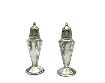 Pair of Quaker Shaker Salt and Pepper with etch leaves design and Sterling Silver Bottoms 1940/'s