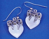 Vintage (500707) Sterling silver handmade earrings, solid 925 silver bow tie with mother of pearl heart Dangles, silver tested