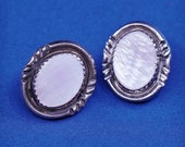 Vintage (500704) sterling silver handmade earrings, southwestern 925 silver studs with pink mother of pearl inlay, silver tested