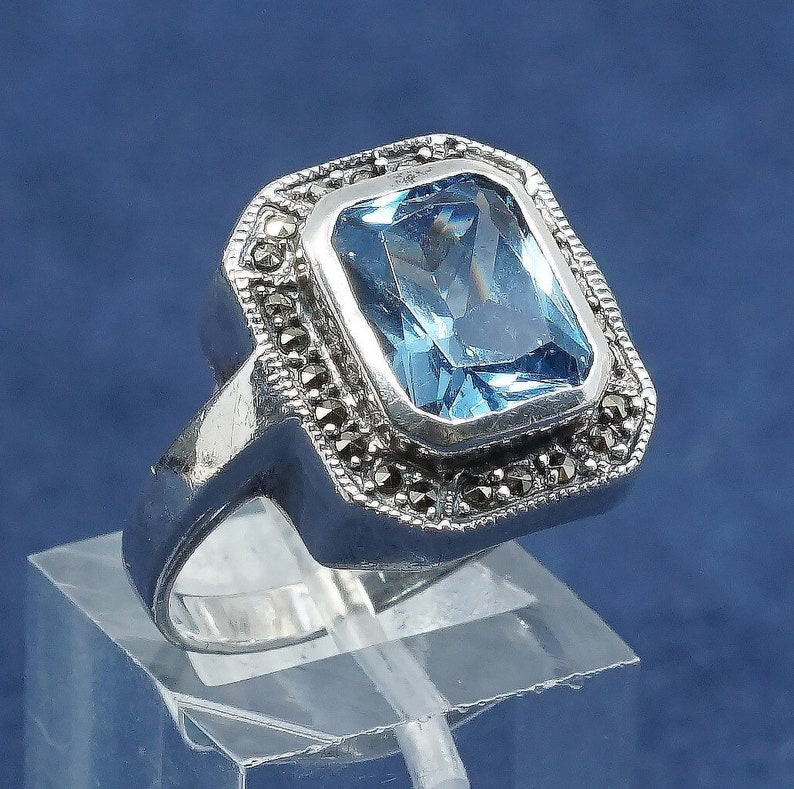 Sterling silver handmade ring vintage Size 8.5 solid 925 silver with sapphire and marcasite stamped 925 510298