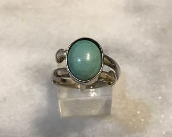 Size 9, vintage Sterling silver handmade ring, Native American, southwestern, 925 silver with turquoise, stamped 925