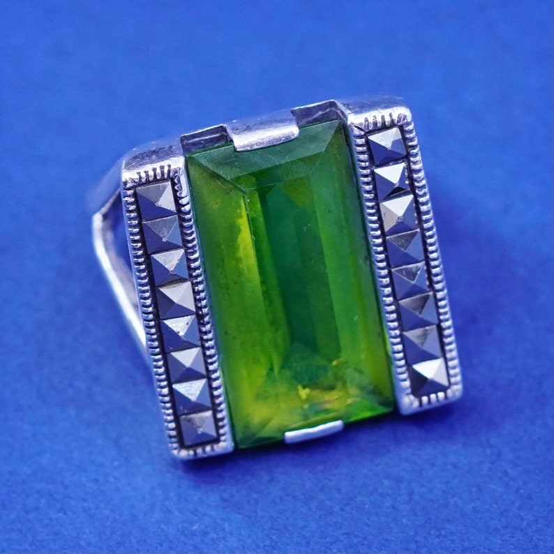 vintage Sterling 925 silver handmade statement ring with peridot and marcasite ring stamped 925 Size 7.25