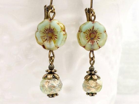 Vintage Style Green Flower Earrings