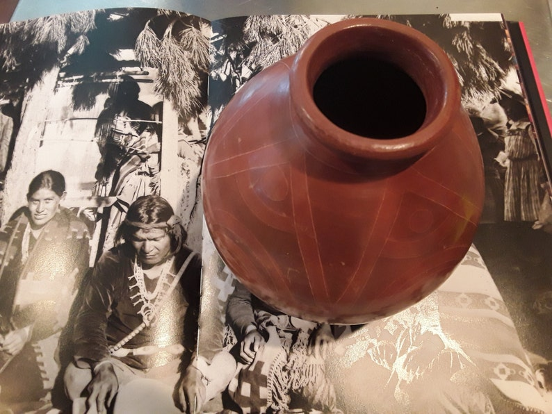 Southwest Red Clay Native Coiled pot.