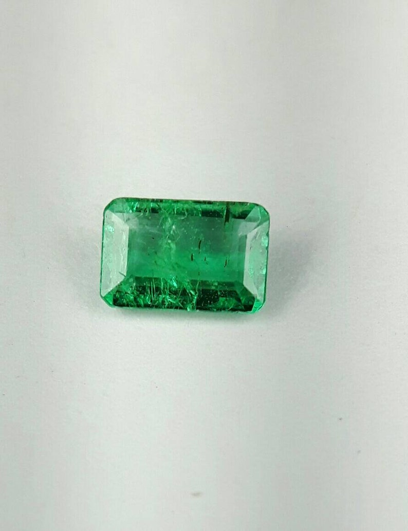0.66ct 6.6x4.3 emerald cut Emerald image 0