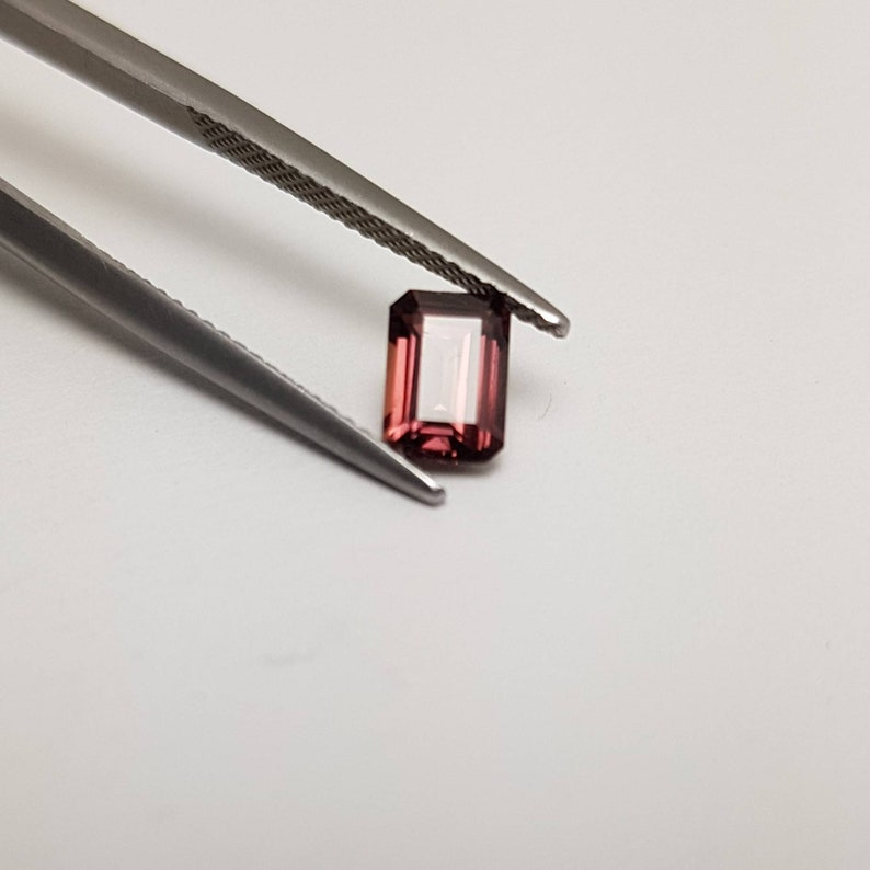 1.2ct natural red Sapphire image 0