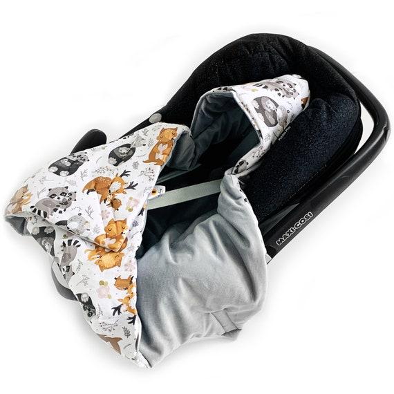 WINTER WATTIERT Einschlagdecke Velvet mit Füllung für Babyschale