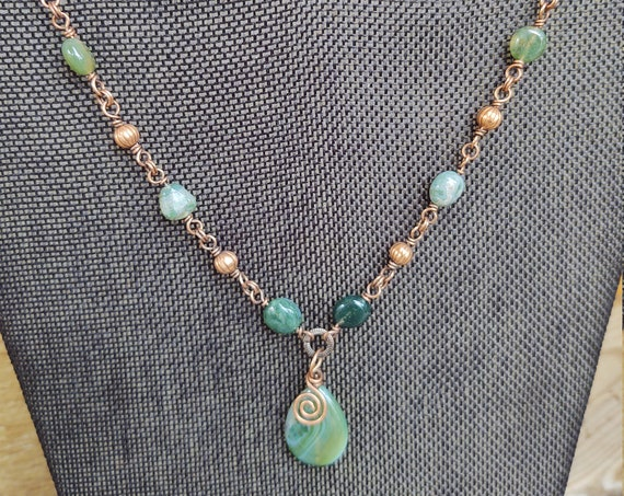 Green agate necklace with moss agate accents