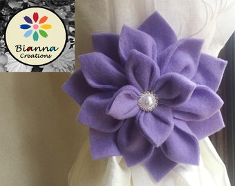 Kanzashi Lavender Cristiane Flower Curtain Tieback, Baby Shower Present, Nursery Room Decoration, Floral Home Decor, Fleece or Felt Felted