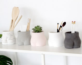 Butt Planter and Vase in Concrete with Drainage