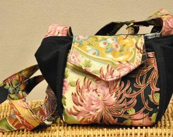 Medium On The Go Handbag (Black Asian floral)
