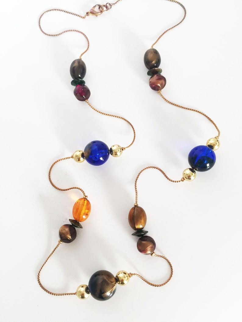 Multi Bead Necklace Flat Round Oval Modern Shiny Gold Tone Orange Brown Red Blue Copper Tone Art Glass Beads Vintage 1990s Serpentine Chain