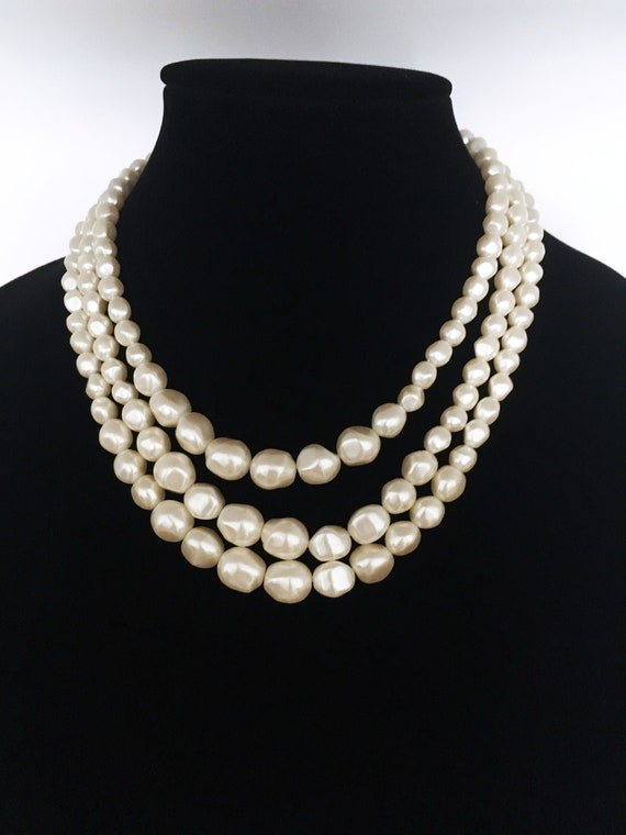 60s Creamy WhiteBrown Shell Inlay Silvetone Bracelet  Vintage
