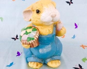 Vintage Easter Bunny Statue, Vintage Easter Rabbit Figurine, Vintage Easter Decor, Vintage Easter Gift