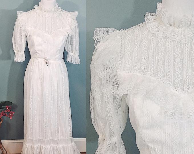 Vintage 1970s Victorian Style Wedding Dress Size 2, 1970s White Lace Maxi Dress, 1970s Boho Chic Dress