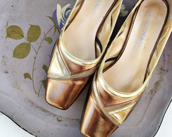 Vintage Andiamo Heels, Women's Size 7, Vintage Gold Low-Heeled Shoes, Vintage Retro Gold Heels, Vintage Two-Toned Gold Pumps