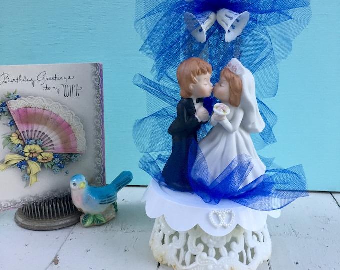 Vintage Wedding Cake Topper, Vintage Ceramic Wedding Cake Topper, Vintage Bride and Groom Decor, Vintage Wedding Decor