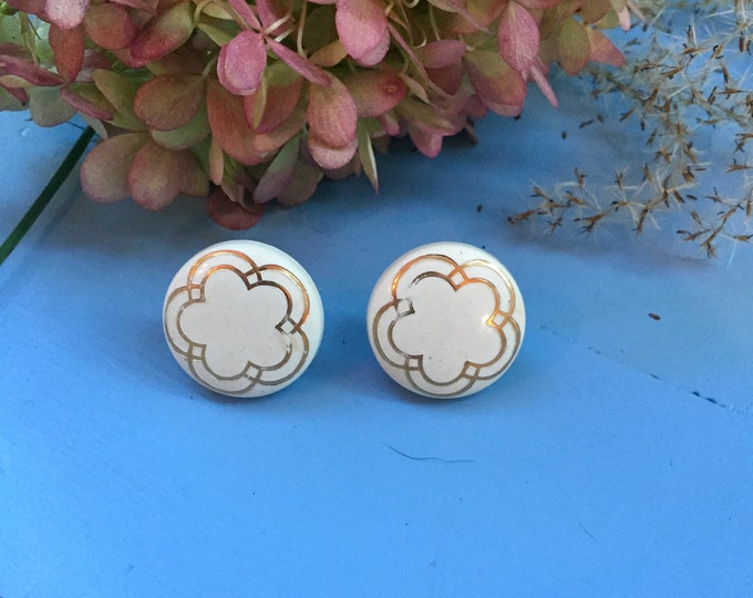 Vintage 1950s Round Earrings, Vintage White and Gold Earrings, Mid Century Earrings, 1950s Earrings