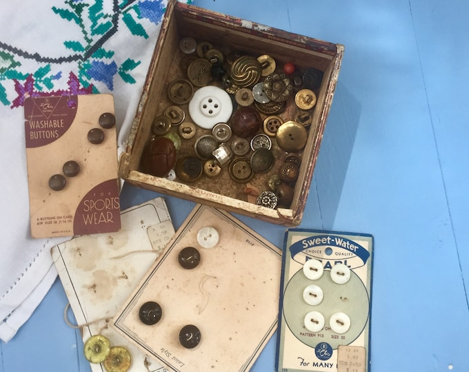 Vintage Button Lot, 1940s Button Lot, 1950s Button Lot, Vintage Collectible Buttons, Vintage Sewing Supplies