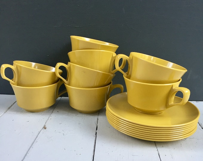 Vintage Melamine Cups and Saucer Set of Eight, Mustard Melamine Cups and Saucers, Yellow Melamine Mugs and Dishes, Vintage Melamine Dish Lot