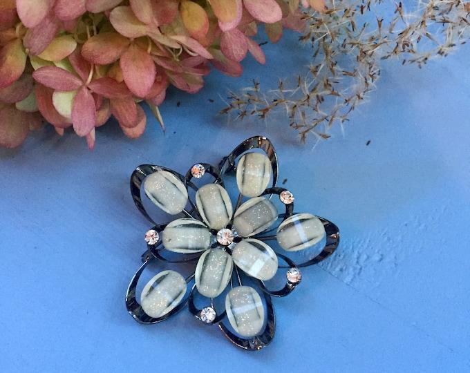 Vintage Lucite Flower Brooch, Large Flower Brooch, Vintage Flower Brooch, Vintage Flower Pin