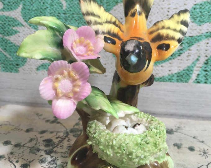 Vintage Erich Stauffer Bird Figurine, Bird Decoration, Bird and Flower Figurine, Vintage Bird Knick Knack, China Bird, Sparrow Figurine