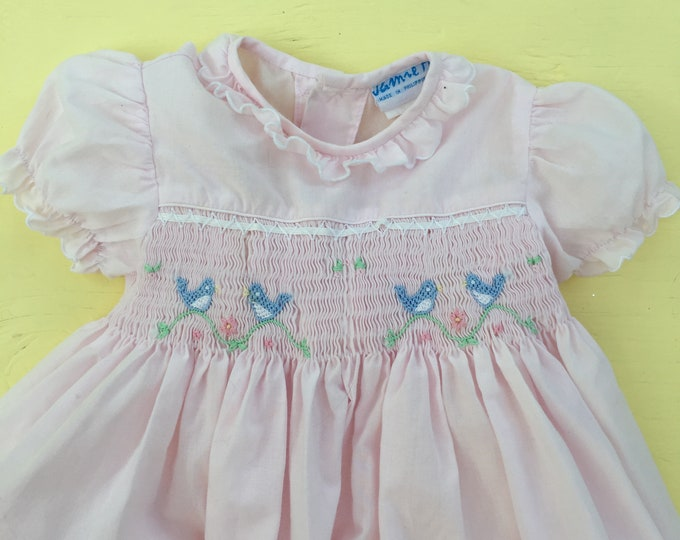 Vintage Baby Girl Smocked Outfit, Size 3 to 6 months, Vintage Smocked Baby Girl Outfit, Vintage Baby Girl Embroidered outfit